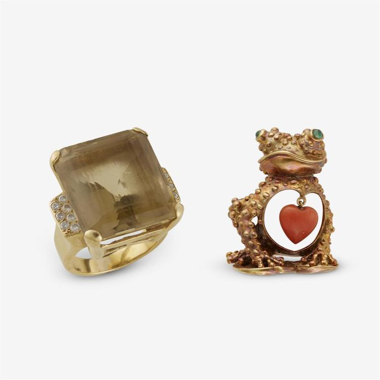 A fourteen karat gold citrine ring and eighteen karat frog brooch,