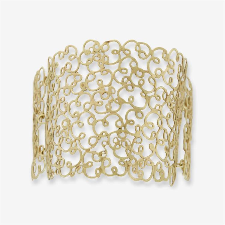 An eighteen karat gold Judy Geib gold bracelet,