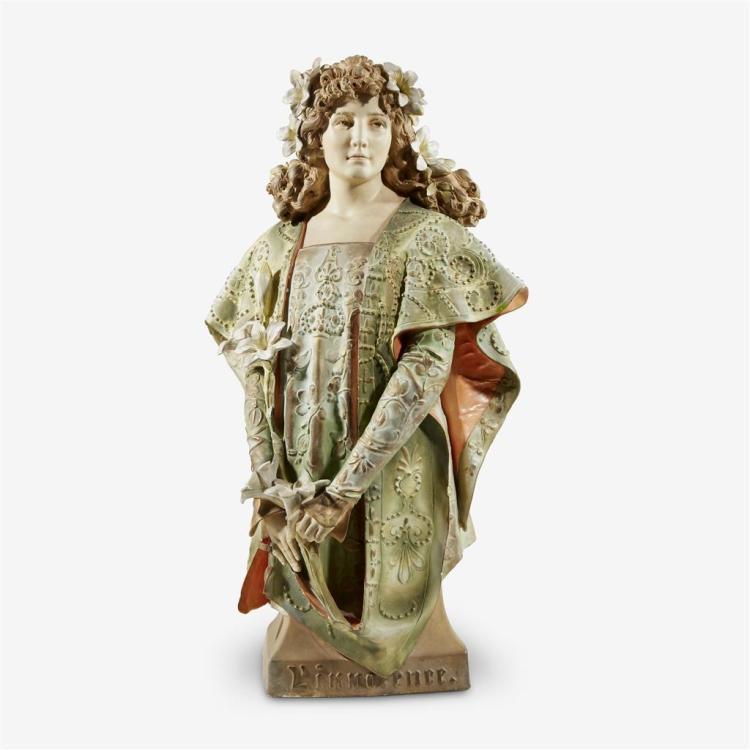 A large Amphora ceramic bust,
