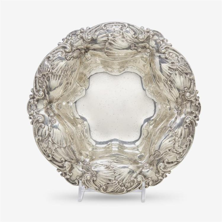 An American sterling silver Art Nouveau bowl, Whiting Manufacturing Co., New York, NY, circa 1900