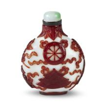 A Chinese red-overlay glass snuff bottle,