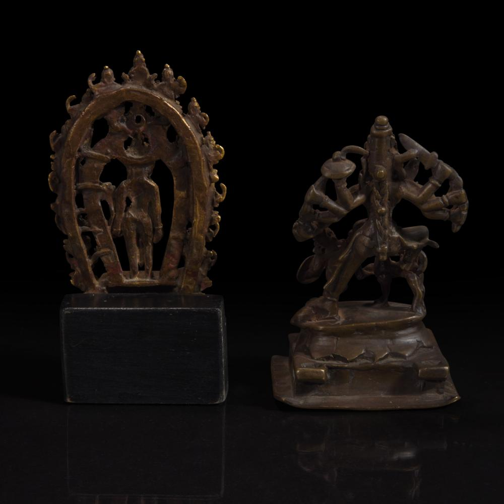 A GROUP OF SEVEN ASSORTED INDIAN AND HIMALAYAN BRONZES 印度及喜马拉雅铜佛造像一组七件 17TH/18TH CENTURY AND LATER 十七至十八世纪或更晚