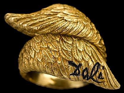 18 karat yellow gold 'wing' bypass ring, Salvator Dali, Alemany & Ertman, New York, Yellow gold 'wings', signed Dali. Accompanied b