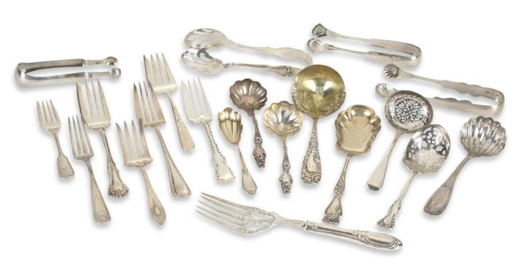 Assortment of sterling silver serving pieces, 19th/20th century