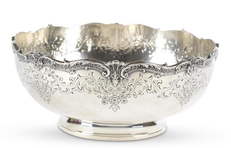 A sterling silver bowl, early 20th century