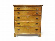 Chippendale maple chest of drawers, late 18th century,
