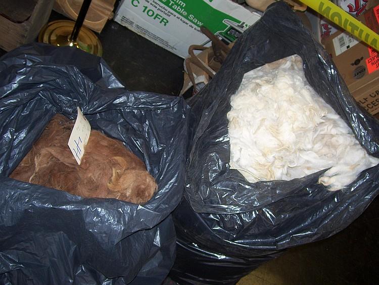2 bags rug grade white/beige/fawn
