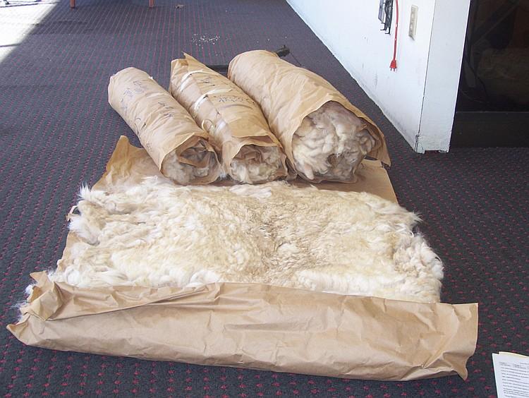 4 Fleeces White Grade 1&2