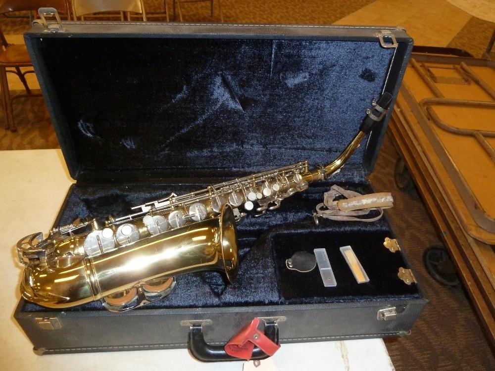 King 613 Saxophone