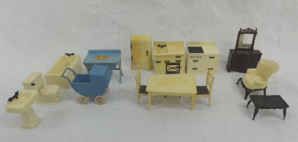 15 Pieces Of Vintage Plastic Dollhouse Furniture