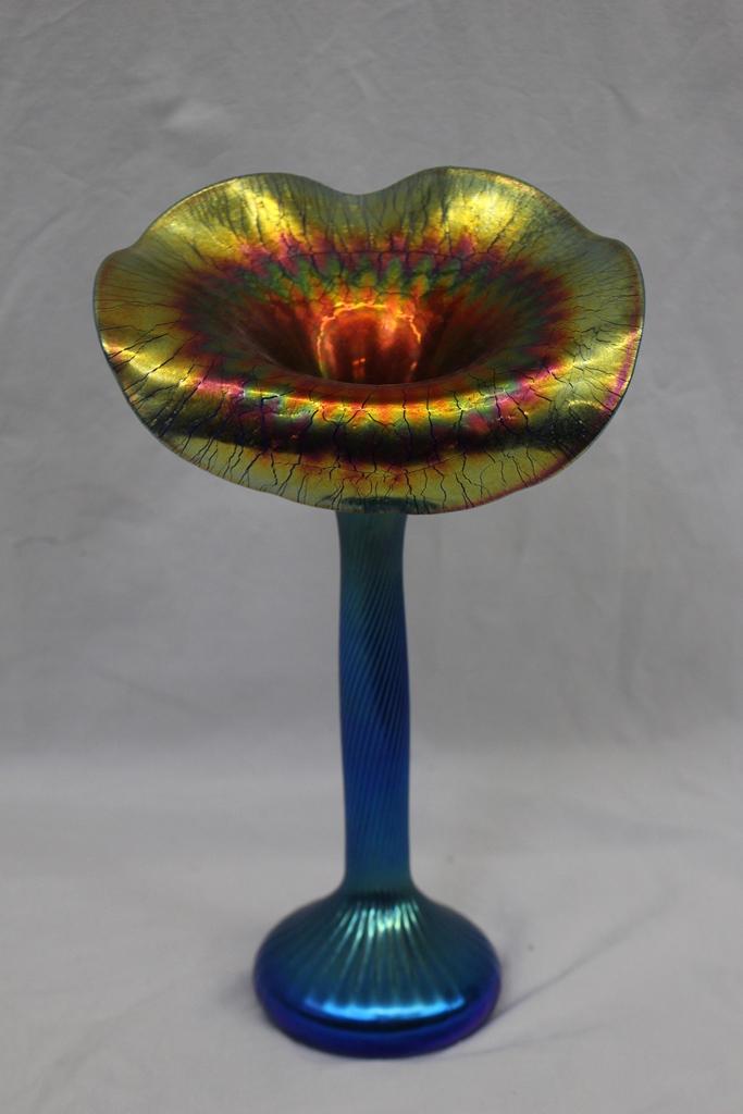 Magnificent Lundberg Studios Jack In The Pulpit Art Glass Va