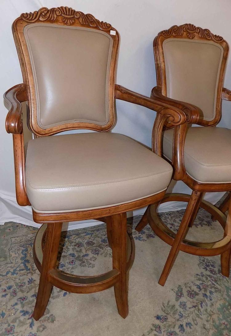 Outstanding Set Of 4 Wooden Cushioned High Back Bar Stools Squirreltailoven Fun Painted Chair Ideas Images Squirreltailovenorg