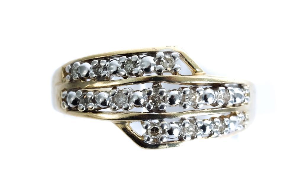 10k Yellow Gold Ring w/13 Diamonds, Size 7