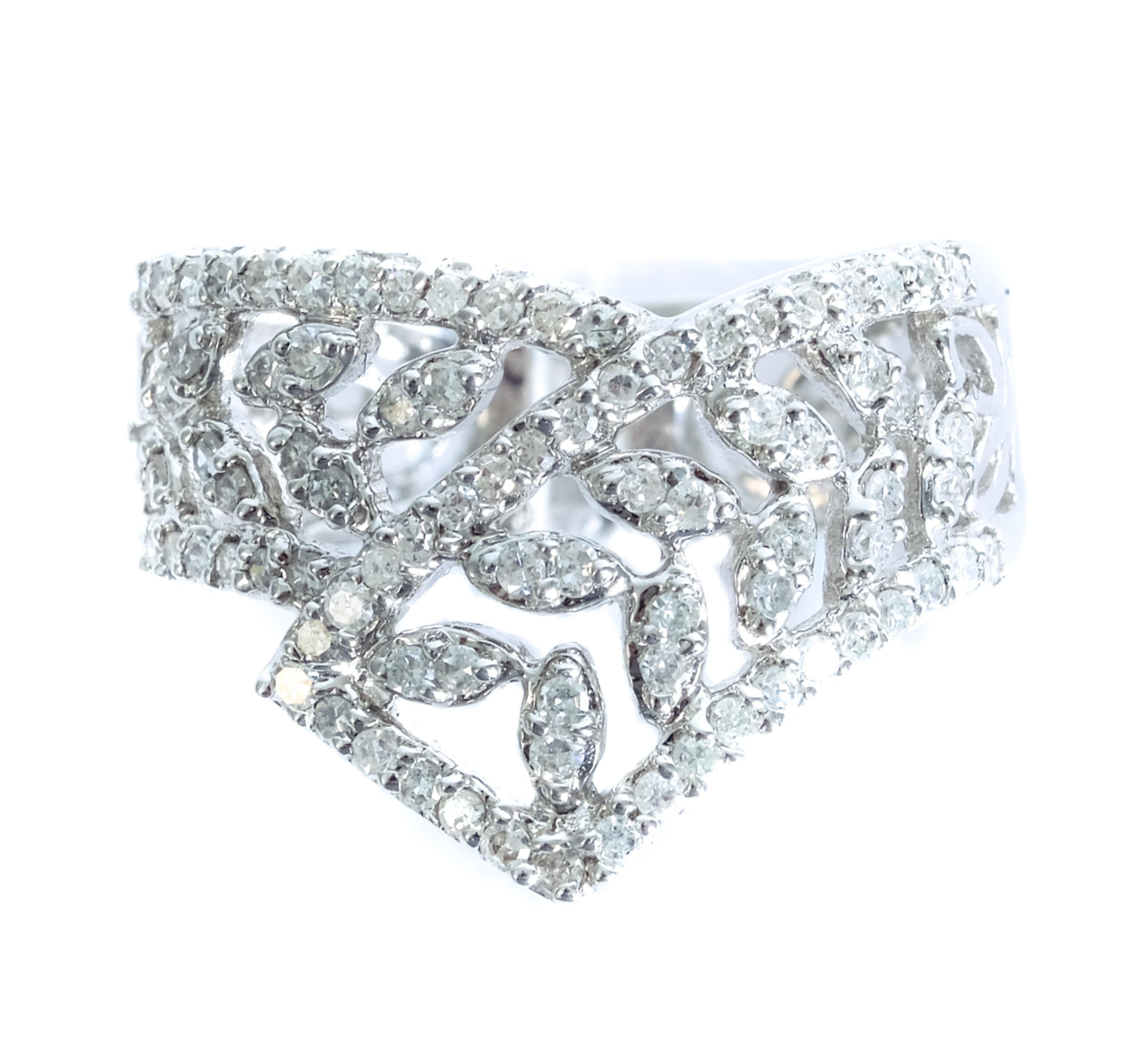 14k White Gold & Diamond Ring, Size 7
