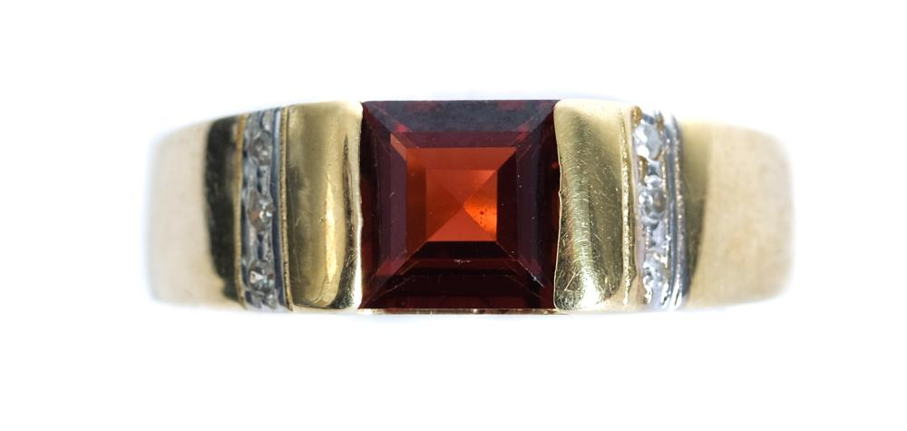 14k Yellow Gold Diamond & Tourmaline Ring