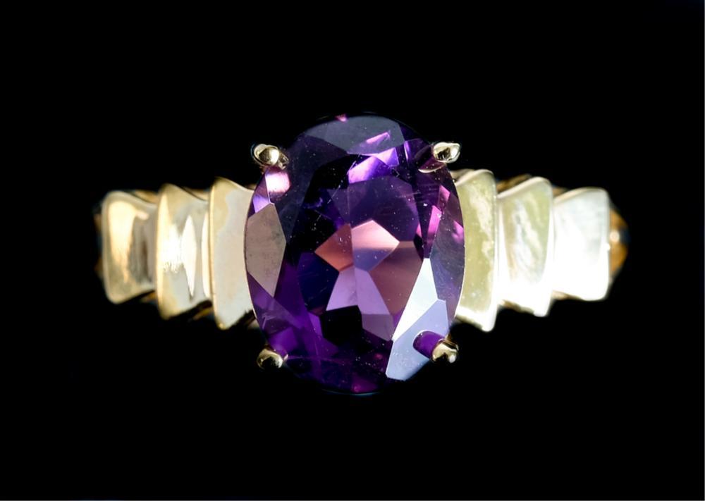 10k Yellow Gold & Amethyst Ring
