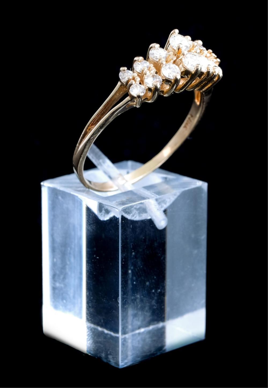 14k Yellow Gold Ring w/14 Diamonds, Size 11