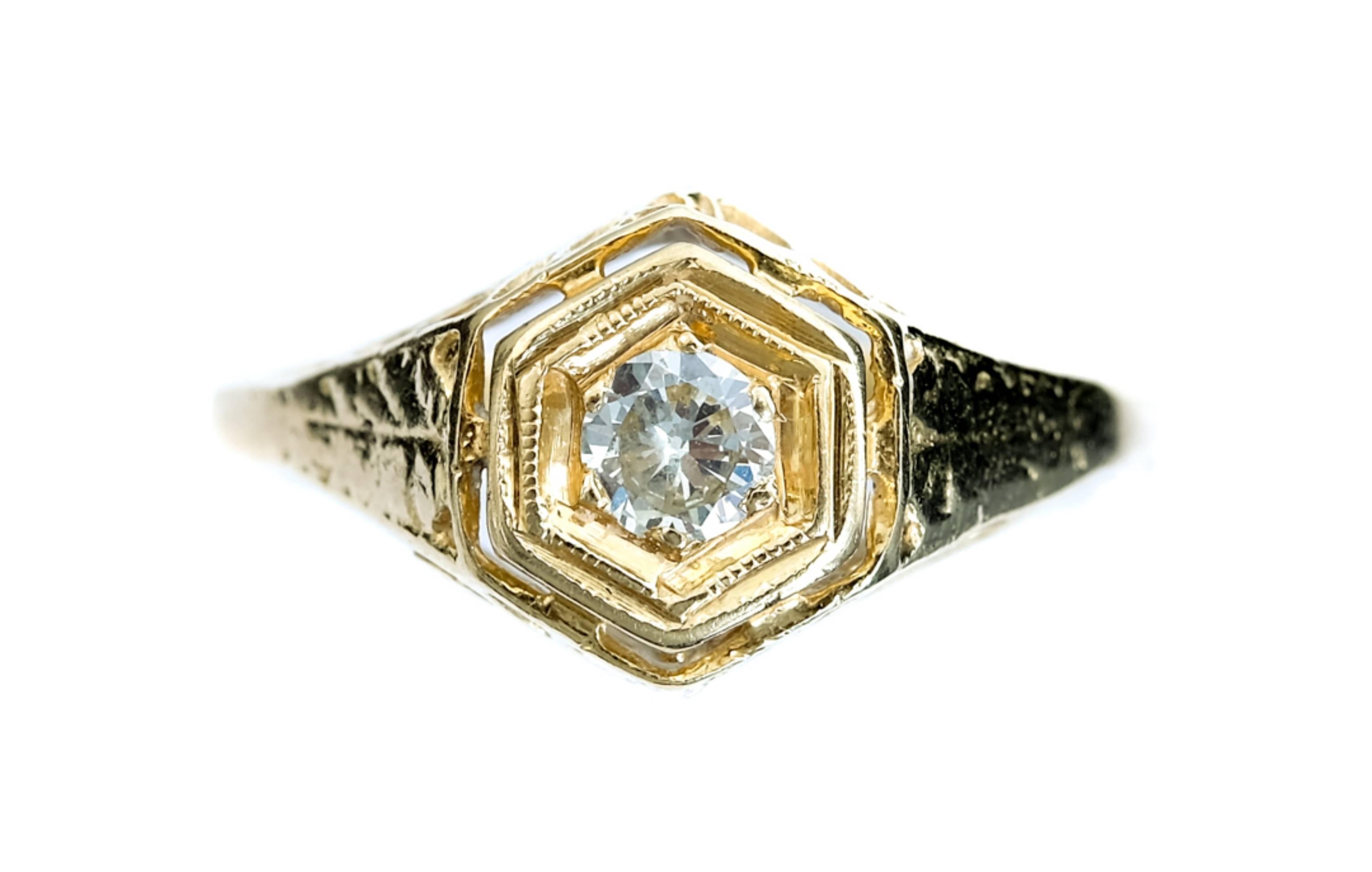 14k Yellow Gold & Diamond Ring size 4