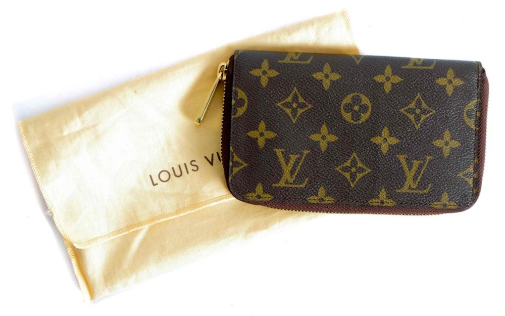 Louis Vuitton Zippy Monogram Clutch