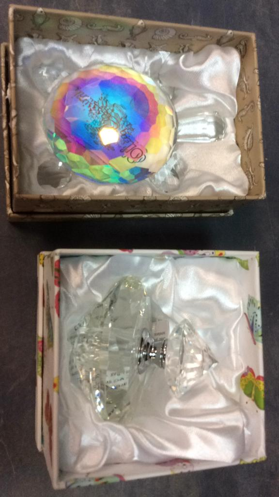 Oleg Cassini Crystal Turtle Paperweight and
