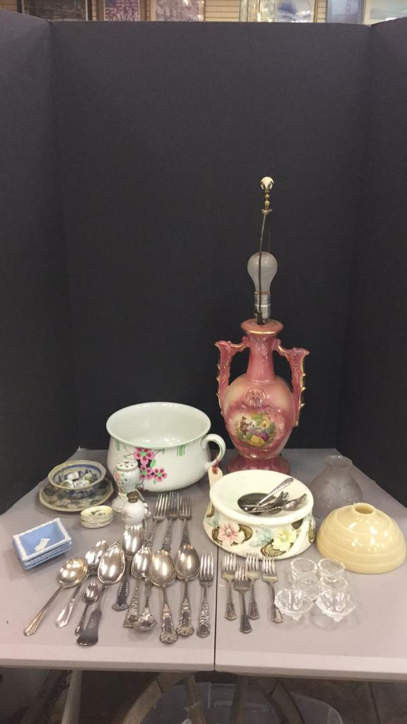 Victorian era lamp, vintage Majolica Spittoon,