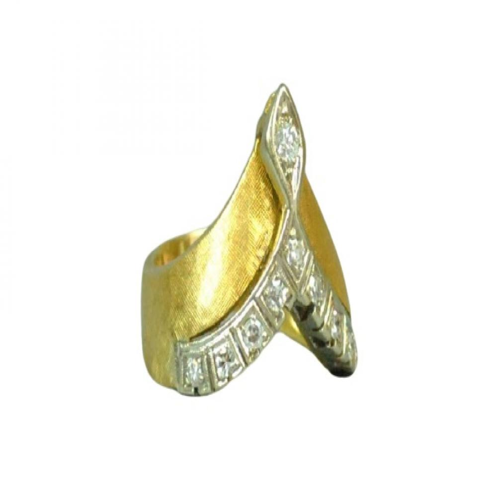 18K Gold And Diamond Ring Size 8