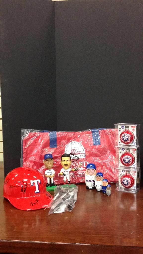 Texas Rangers multiplayer signed hat, new Duffel
