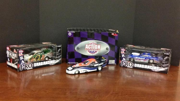 NHRA racing champions Tony Pedregon signed, Kurt