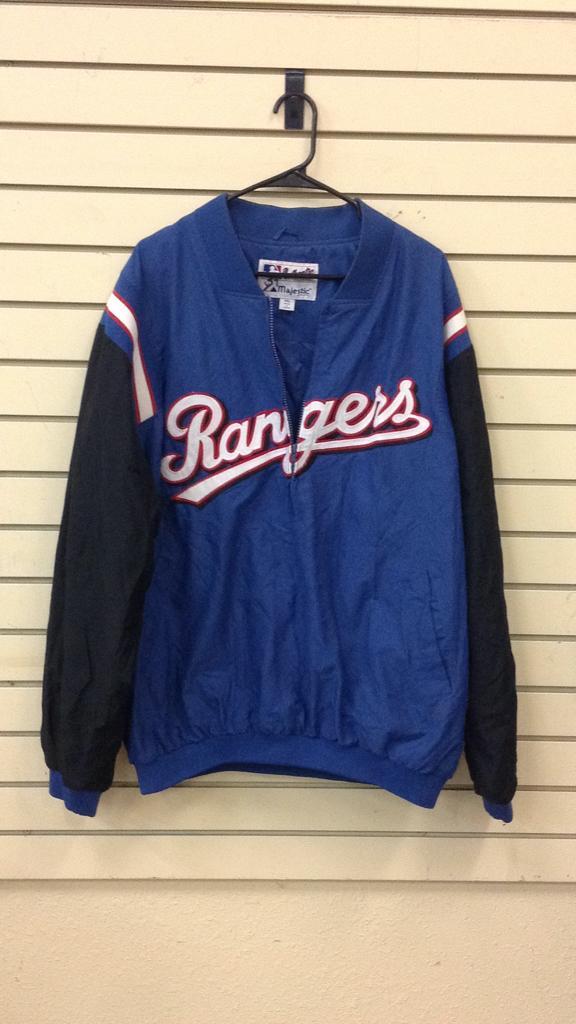 Texas Rangers Majestic Jacket size 2xl marked 39