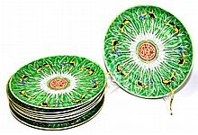 Famille Vert Cabbage Leaf Plates, 8 Pieces