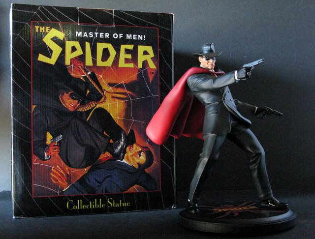 PULP HERO THE SPIDER - DELUXE PAINTED STATUE WITH BOX - Reelart Studios, 2007 - Limited edition, number 189/500. Measures 12