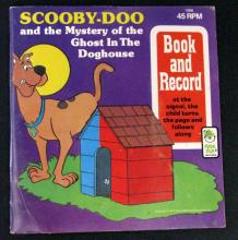 SCOOBY-DOO - GHOST IN THE DOGHOUSE VINTAGE BOOK AND RECORD SET - Peter Pan Records, 1986 - Children's story of Scooby discovering the true identity of one more ghost. Very Good.