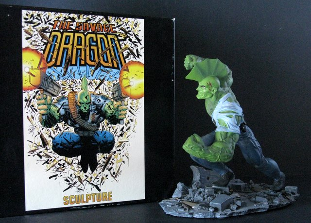 IMAGE COMICS - SAVAGE DRAGON - DELUXE PAINTED STATUE WITH BOX - Moore Creations, 1994 - Limited edition, number 859/1,000. Measures 9