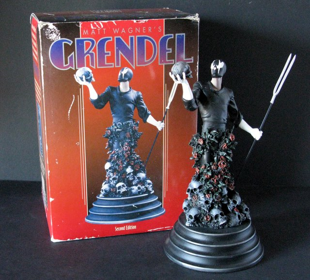 MATT WAGNER'S - GRENDEL - DELUXE PAINTED STATUE WITH BOX - Bowen Designs, 1995 - Limited edition, number 1,621/2,000. Measures 10 1/2