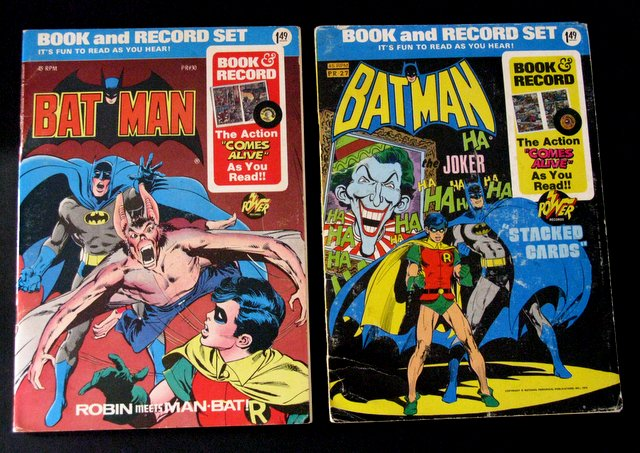 BATMAN - VINTAGE COMIC BOOK AND RECORD SET LOT OF 2 - DC Comics, 1975 - Vintage full color comic featuring record to narrate them! Both 7 1/2
