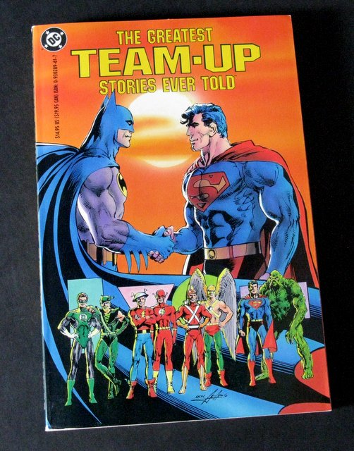 THE GREATEST TEAM-UP STORIES EVER TOLD - DELUXE TRADE PAPERBACK - DC Comics, 1990 - Awesome full color 284 page book featuring many excellent DC comics. 7