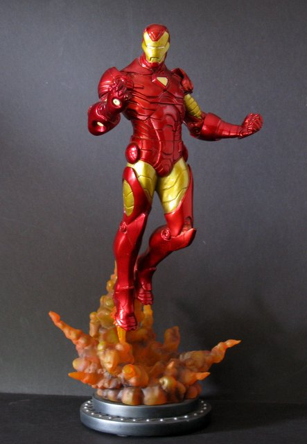 MARVEL'S IRON MAN RARE PAINTED STATUE - Bowen Designs, 2008 - Incredibly dynamic statue of the invincible hero blasting off. This handsome figure stands 14