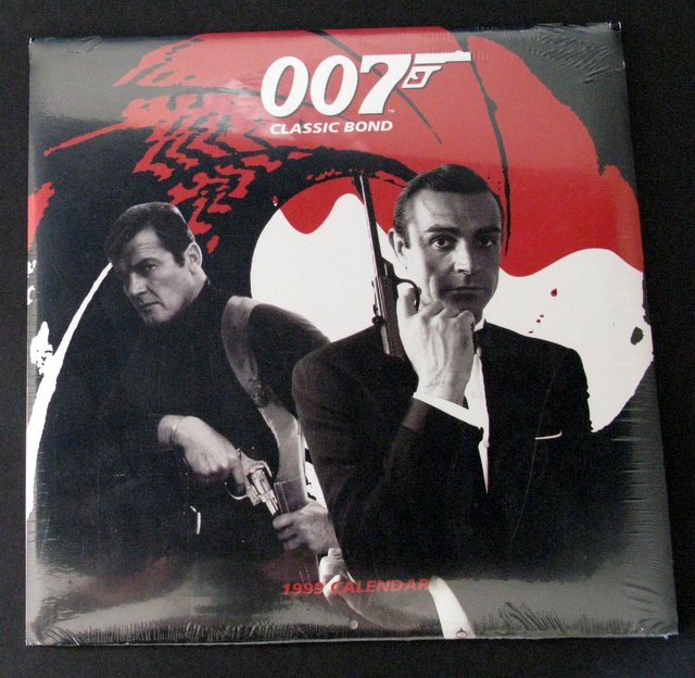 JAMES BOND 007 - MOVIE CALENDER 1999 - This deluxe 13