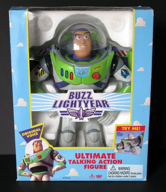 DISNEY'S TOY STORY - BUZZ LIGHTYEAR - ULTIMATE TALKING ACTION FIGURE - Thinkway Toys, 1995 - Limited edition original! Extremely poseable action figure of the famous cartoon hero. Glows in the dark, speaks movie phrases, retractable wings, stands approximately 12