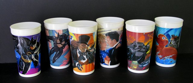 BATMAN RETURNS - COMPLETE SET OF SIX McDONALDS CUPS - Louisiana Plastics, 1992 - Set of six plastic cups featuring stunning art from the Batman Returns film. Each cup is 6 1/2