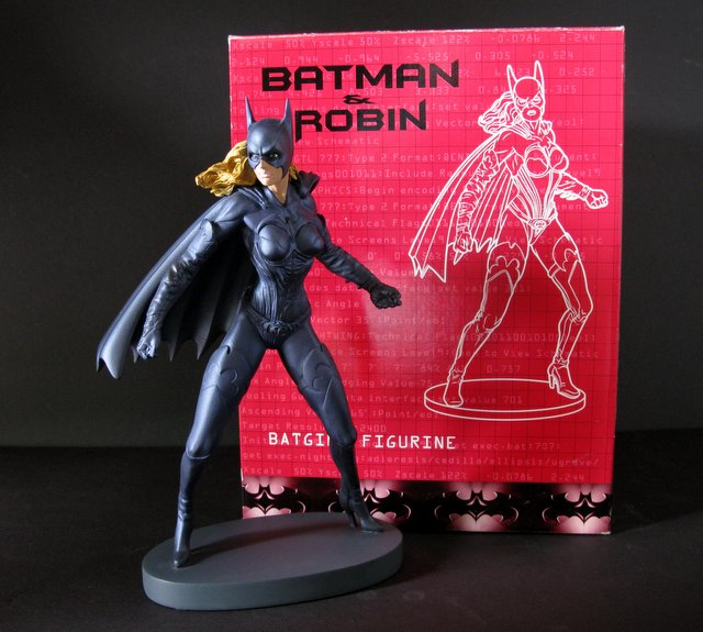 BATMAN AND ROBIN (MOVIE) - BATGIRL PAINTED STATUE WITH BOX - Warner Brother's Studio Gallery, 1997 - Limited edition of 2,500. Measures 11