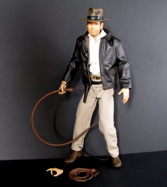 "INDIANA JONES - 18"" TALL TALKING ACTION FIGURE - Diamond Select Toys, 2008 - Massive 18"