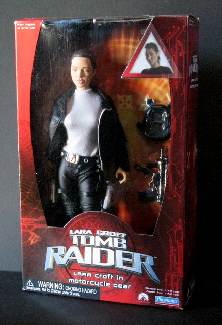 LARA CROFT TOMB RAIDER - THE MOVIE 12