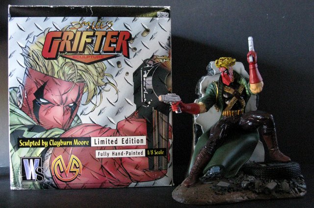 WILDSTORM COMICS - THE GRIFTER - DELUXE PAINTED STATUE WITH BOX - Moore Creations, 1996 - Limited edition, number 1,973/22,000. Measures 9