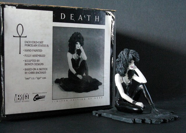 VERTIGO COMICS - DEATH - DELUXE PAINTED STATUE WITH BOX - Graphitti Designs, 1992 - Limited edition, number 5,633/6,000. Measures 5 1/2