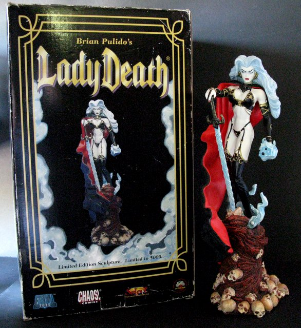 CHAOS COMICS - LADY DEATH - DELUXE PAINTED STATUE WITH BOX - Diamond Select, 2000 - Limited edition of 5,000. Measures 17