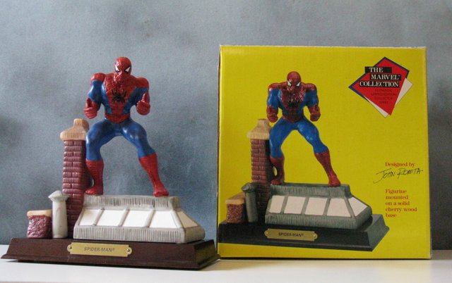 MARVEL COMICS - SPIDER-MAN - HAND PAINTED PORCELAIN STATUE - Marvel Collection, 1990 - Designed by John Romita. Limited edition of 7,500. Measures 7 1/2