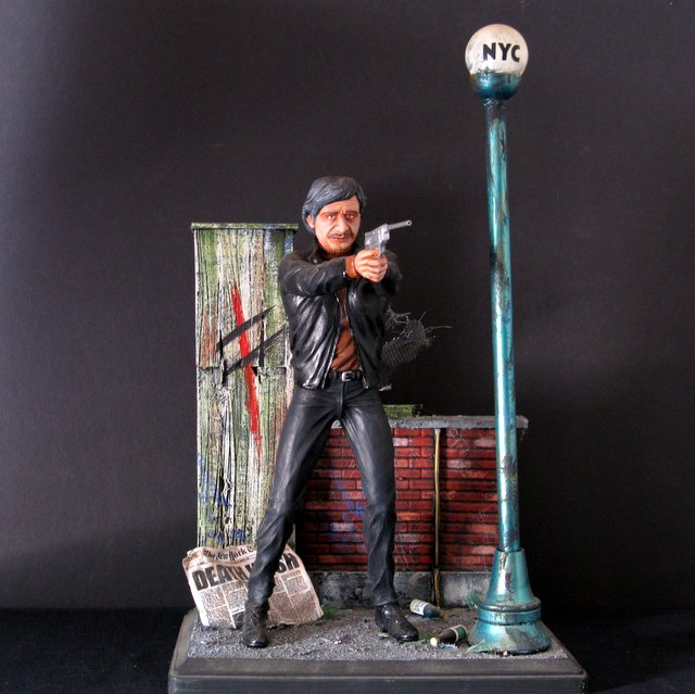 CHARLES BRONSON - DEATHWISH - PRO-PAINTED RESIN DIORAMA - King Solomon, 1992 - Handsome 16