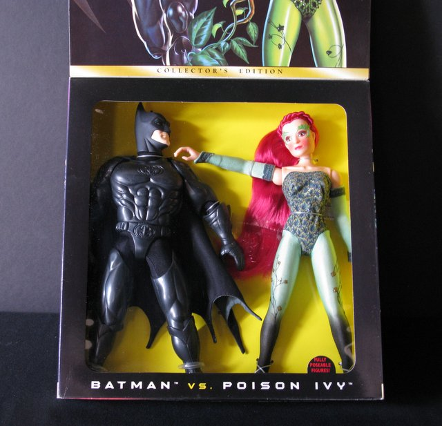 BATMAN AND ROBIN MOVIE - BATMAN VS POISON IVY - 12