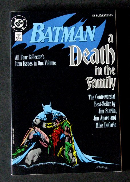 BATMAN - A DEATH IN THE FAMILY - CLASSIC DC GRAPHIC NOVEL - DC Comics, 1988 - Deluxe full color trade paperback. Near Mint.